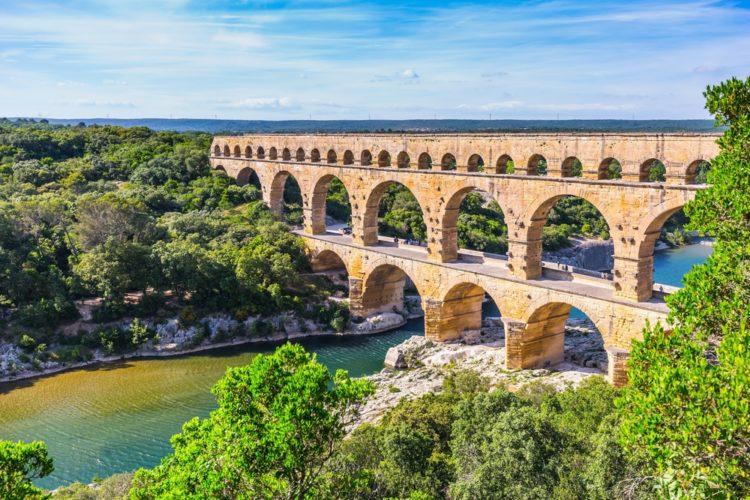 Акведук Пон-дю-Гар во Франции
