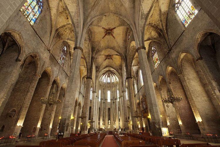 Церковь Санта-Мария-дель-Мар в Испании