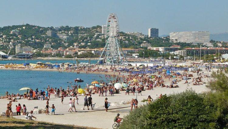 Пляжи Прадо во Франции