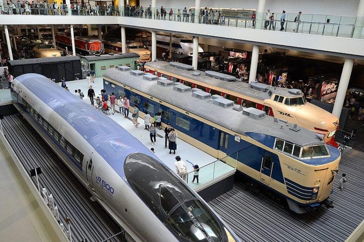 Киотский железнодорожный музей в Японии