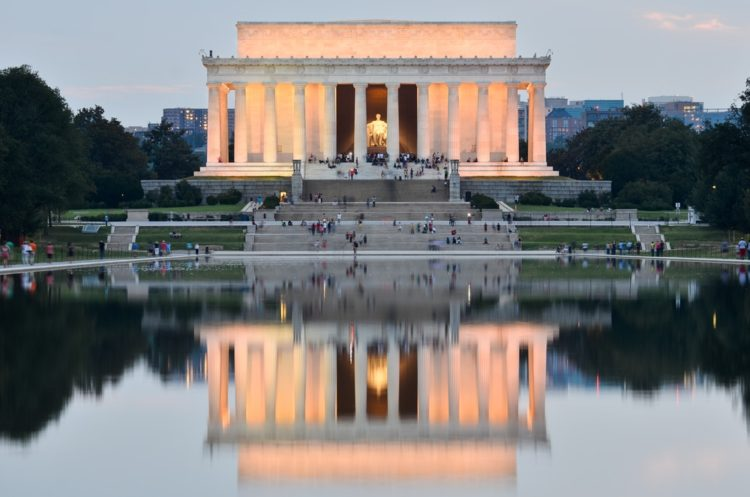 Мемориал Линкольна в США