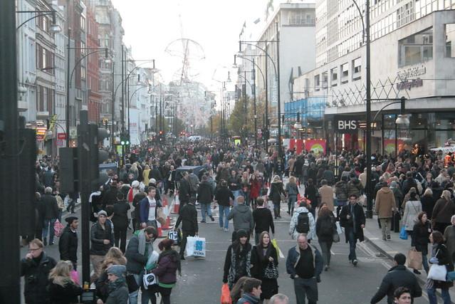 Улица Оксфорд-стрит в Англии