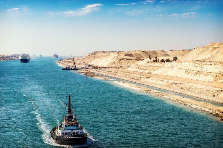 Суэцкий канал в Египте