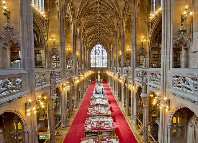 Библиотека Джона Райландса в Англии