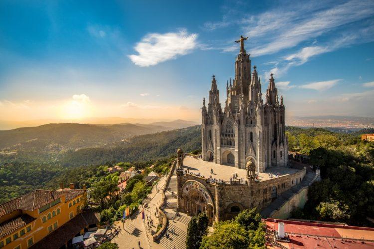Храм Святого Сердца в Испании
