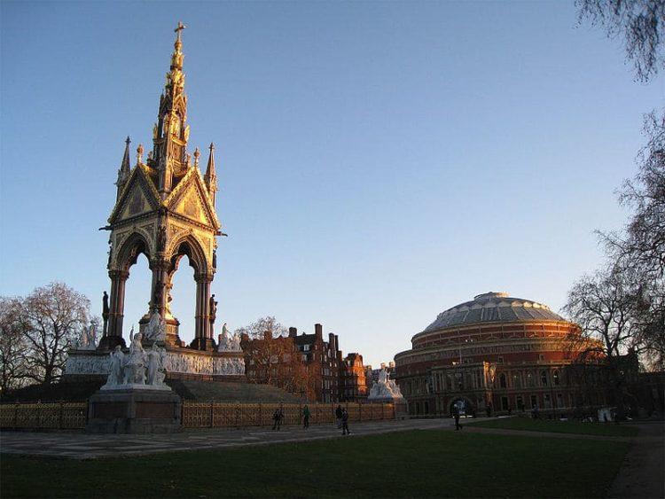 Площадь Альберта в Англии
