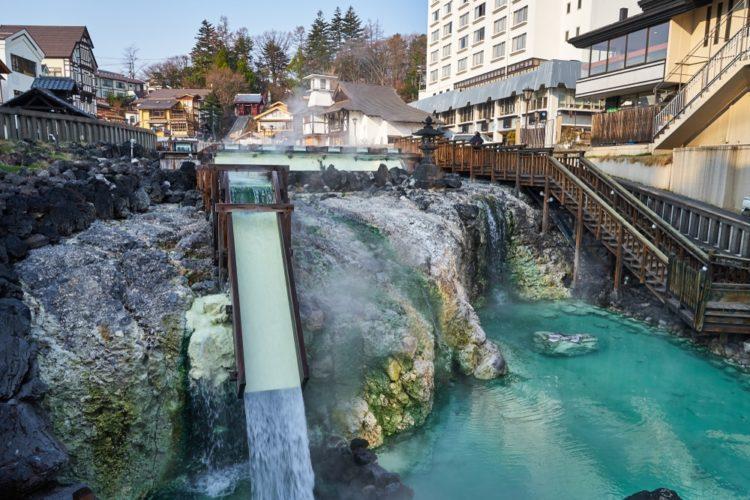 Городок горячих источников Кусацу в Токио