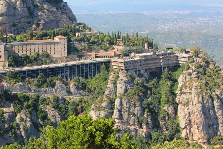 Монастырь Монтсеррат в Испании