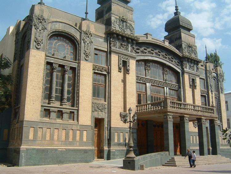 Театр оперы и балета имени М. Ф. Ахундова в Азербайджане