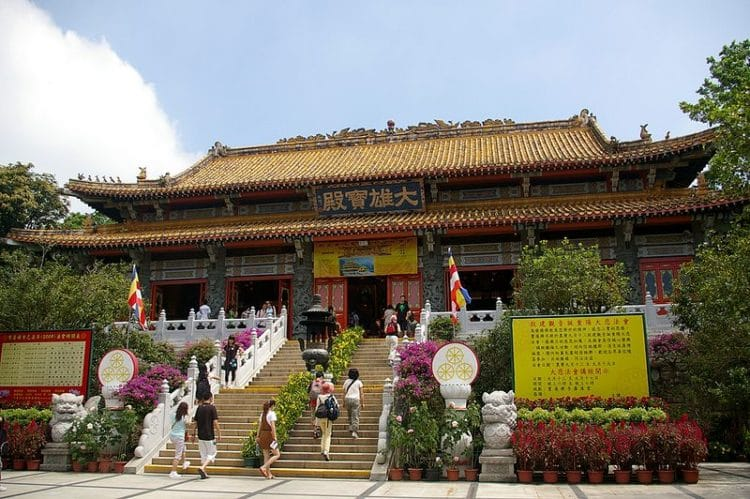 Монастырь По Линь в Китае