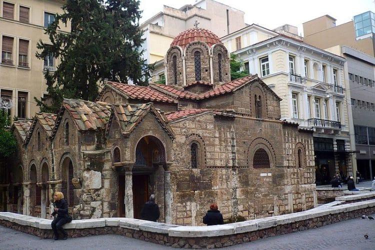 Церковь Панагия Капникарея в Греции