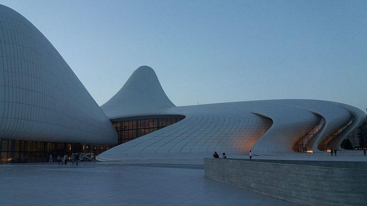 Центр Гейдара Алиева - достопримечательности Баку