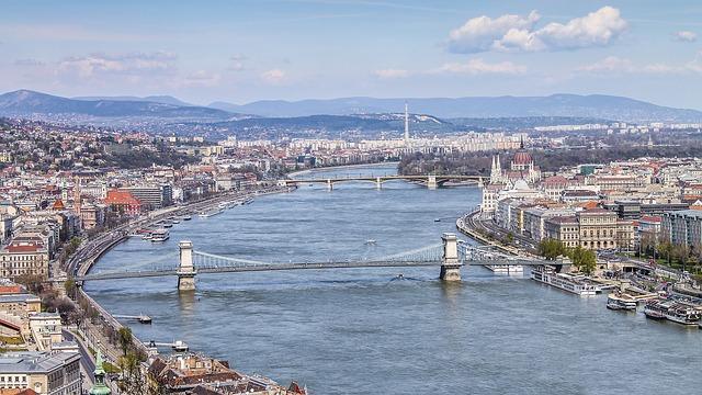 Река Дунай в Будапеште в Венгрии
