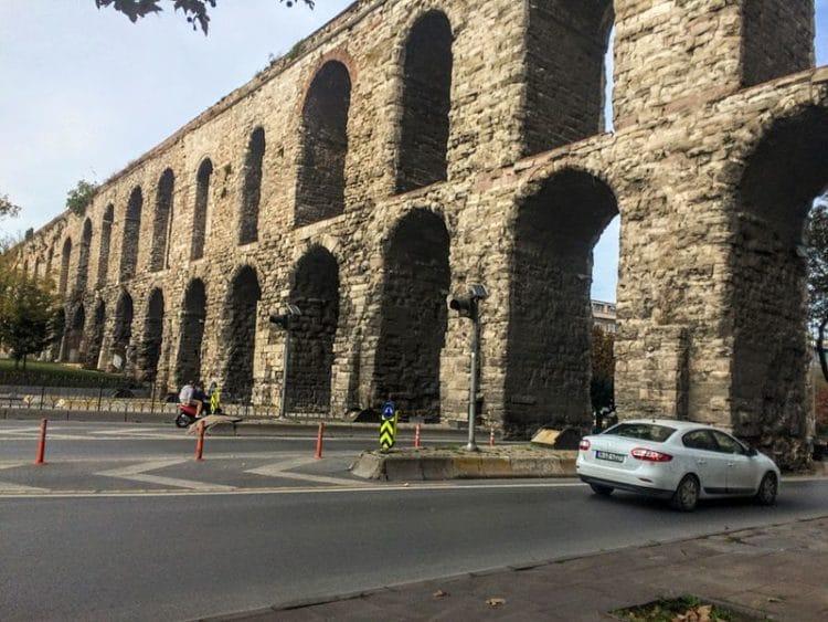 Акведук Валента в Турции