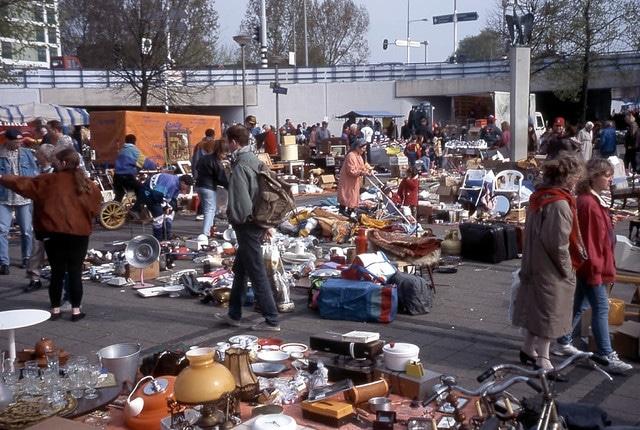 Блошиный рынок Waterlooplein в Нидерландах