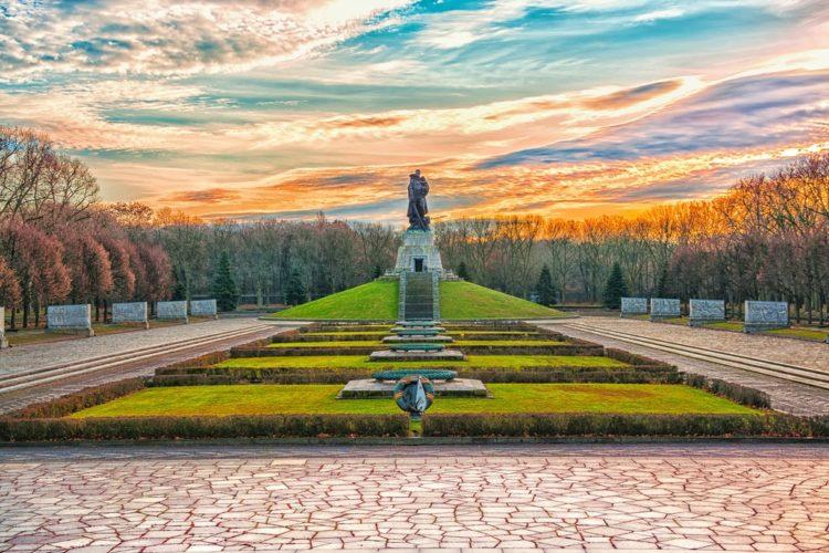 Трептов-парк в Германии
