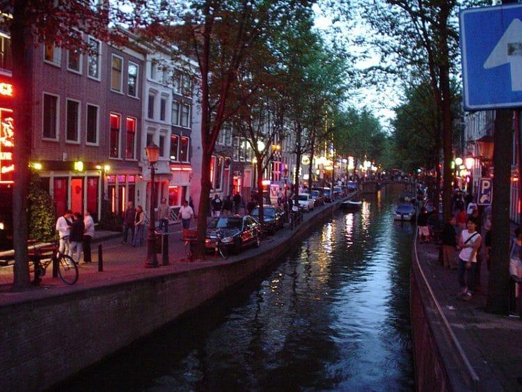 Квартал красных фонарей в Нидерландах