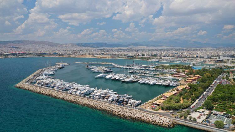 Гавань Флисвос Марина в Греции