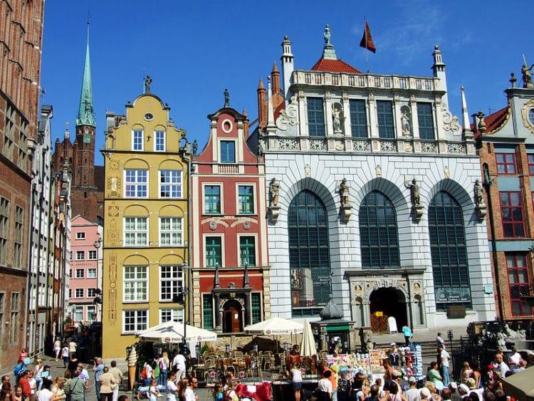 Двор Артуса - достопримечательности Гданьска