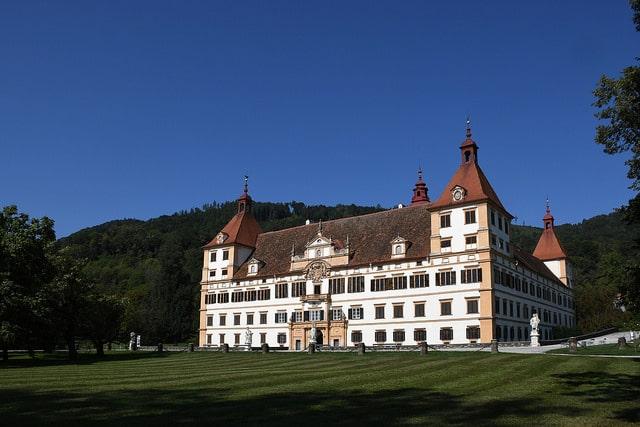 Замок Эггенберг - достопримечательности Граца
