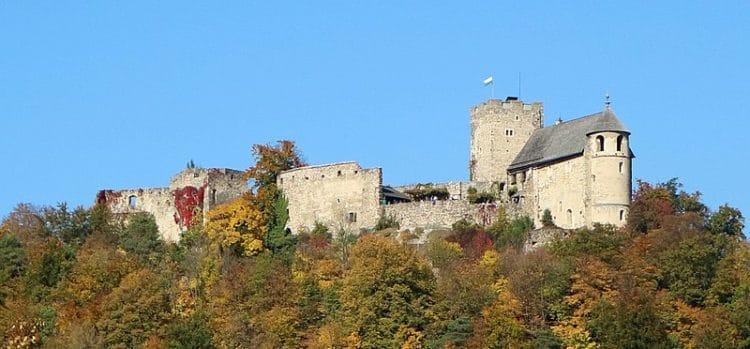 Руины крепости Гёстинг - достопримечательности Граца