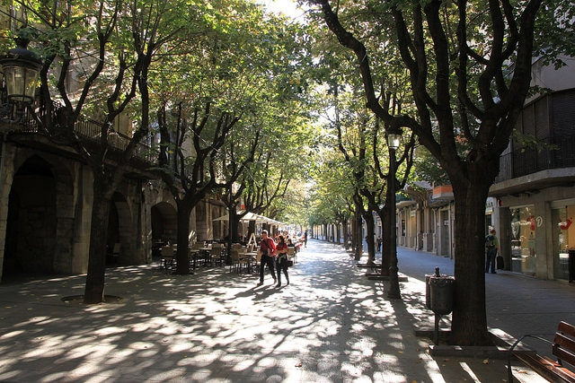 Бульвар Рамбла-де-ла-Либертад - достопримечательности Жироны