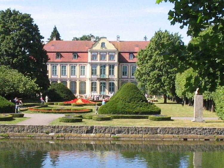 Аббатский дворец в Оливе - достопримечательности Гданьска