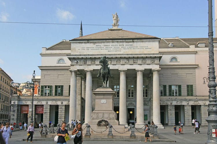 Театр Карло Феличе - достопримечательности Генуи