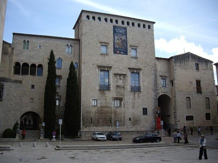 Музей искусства Жироны - достопримечательности Жироны