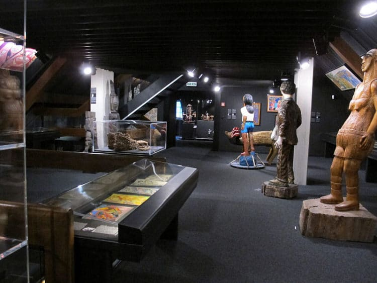 Музей Арт-Брют - достопримечательности Лозанны