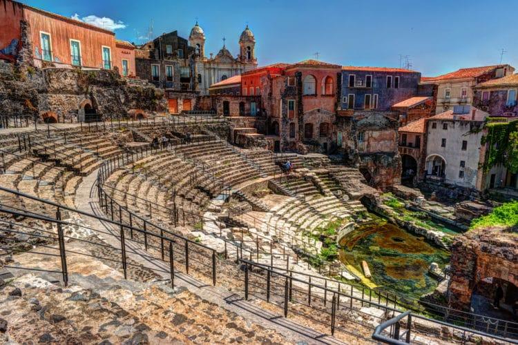 Римский театр и Одеон - достопримечательности Катании