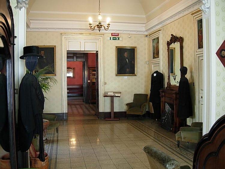 Дом-музей Джованни Верга - достопримечательности Катании