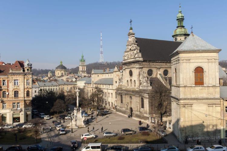 Костёл и монастырь бернардинцев - достопримечательности Львова