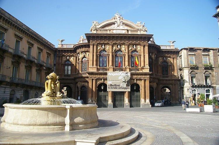 Театр Массимо Беллини - достопримечательности Катании