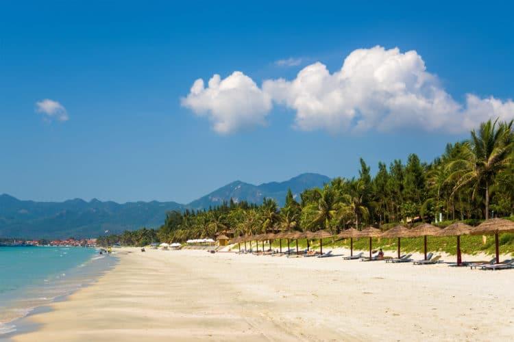 Пляж Зоклет - достопримечательности Нячанга