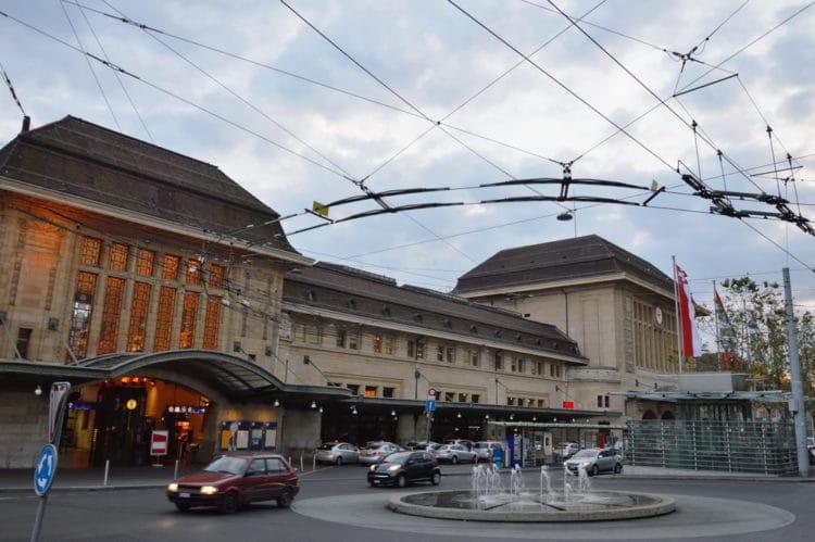 Железнодорожный вокзал - достопримечательности Лозанны