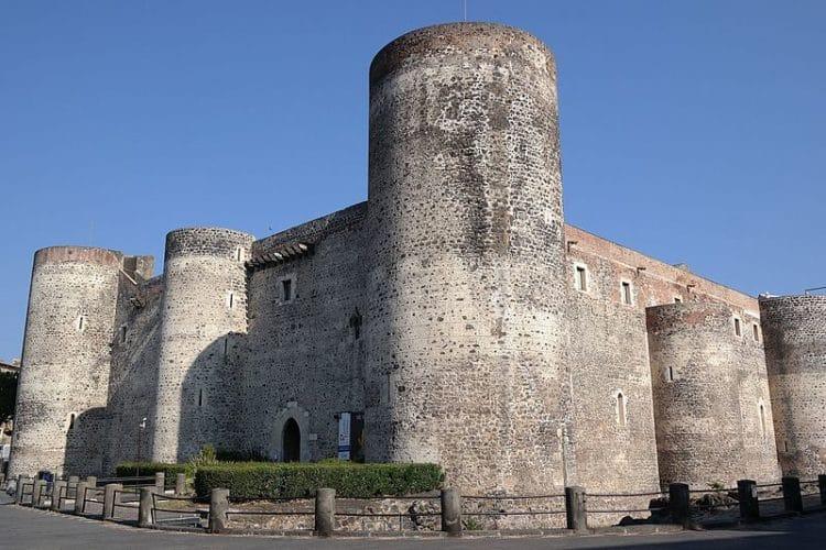 Замок Урсино - достопримечательности Катании