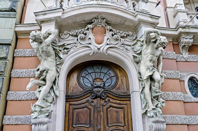 Дом учёных - достопримечательности Львова