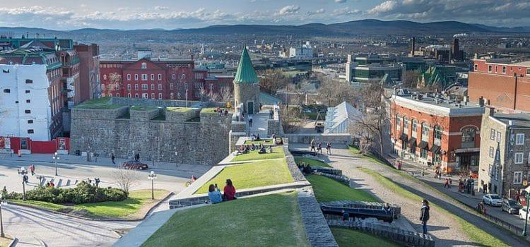 Крепостные стены - достопримечательности Квебека