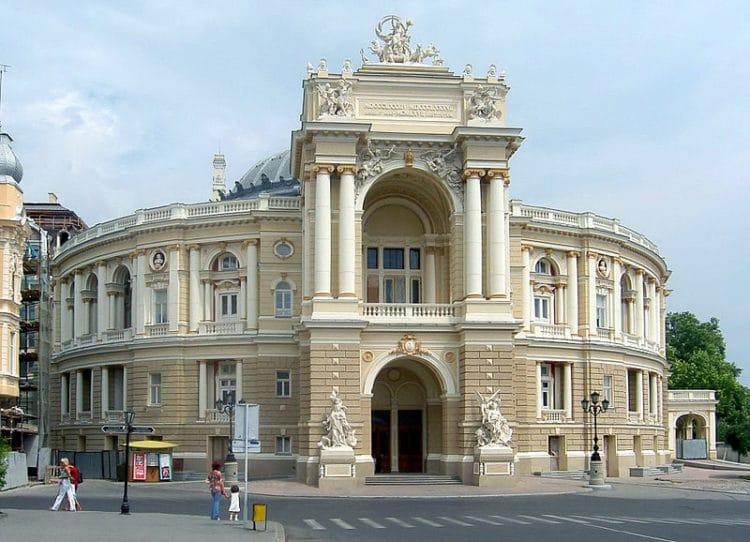Одесский театр оперы и балета - достопримечательности Одессы