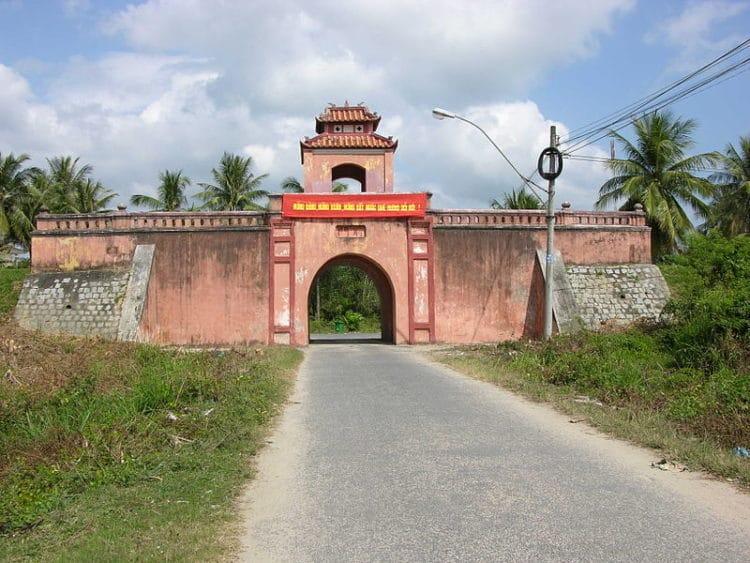 Цитадель Дьен Кхан - достопримечательности Нячанга