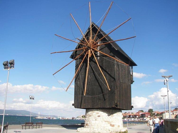 Ветряная мельница - достопримечательности Несебра