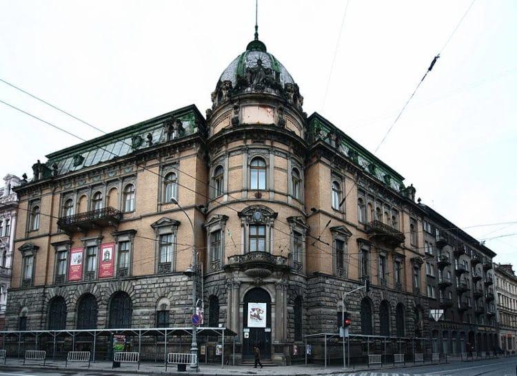 Музей этнографии и художественного промысла - достопримечательности Львова