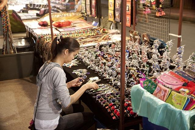 Воскресный уличный рынок Лард Яй - достопримечательности Пхукета