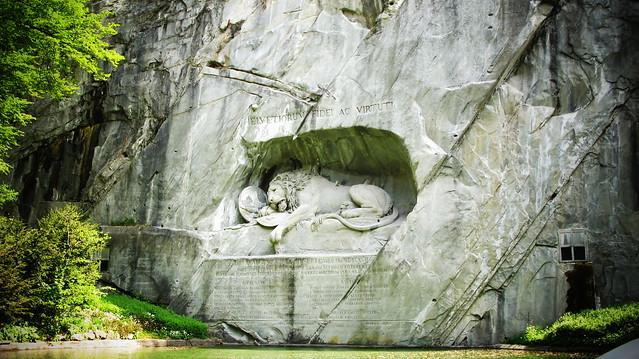 Памятник «Умирающий лев» - достопримечательности Люцерна