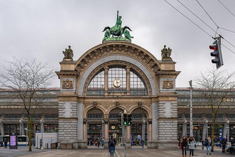 Железнодорожный вокзал Люцерна - достопримечательности Люцерна