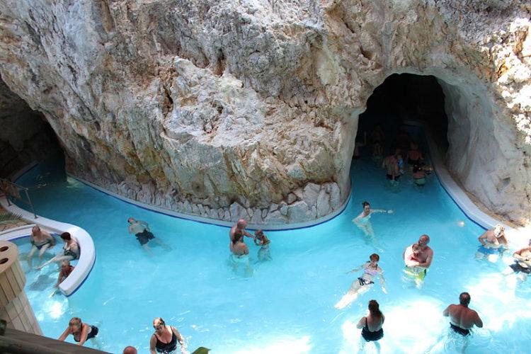 Что посмотреть в Венгрии - Термальные купальни Мишкольц-Тапольца